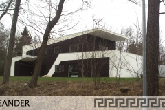47 MEANDER HOUSE
